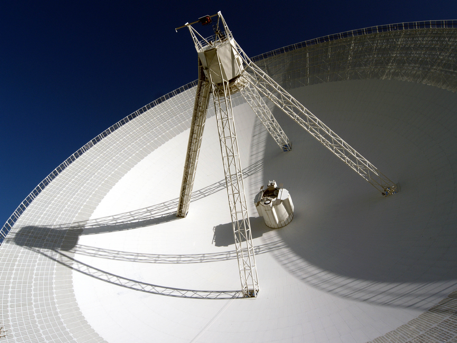 information_for_astronomers:user_guide:dish.png